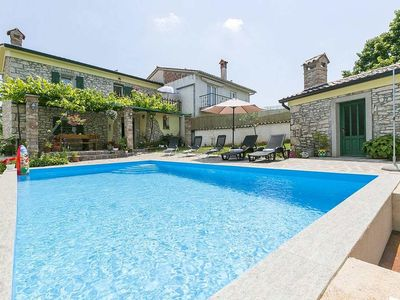 Photo for Charming, traditional Istrian stone house with pool located near Labin
