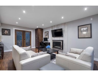 Photo for Luxury and Relaxation in Beautiful Pemberton Heights