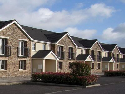 Photo for Terraced Houses, Trim  in Meath - 9 persons, 3 bedrooms