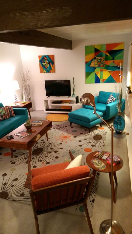 Property Image#4 A Mid Century Modern Alexander Home Oasis (100% New