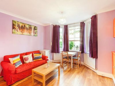 Photo for Modern and Bright 1Bed apt w/Ensuite North London