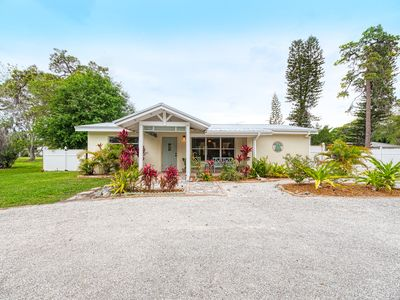 Photo for 3 Bedroom / 2 Bath Tranquil Pool Home Near Siesta Key!