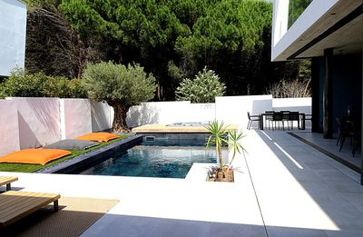 Photo for LAST MINUTE O FFER for this stylishilla with pool and jacuzzi in La Grande Motte