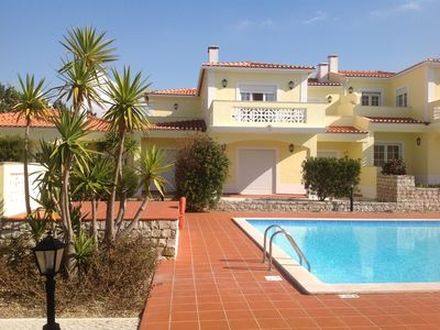 Photo for 2 bed apartment overlooking golf course and pool. Short walk to sea.