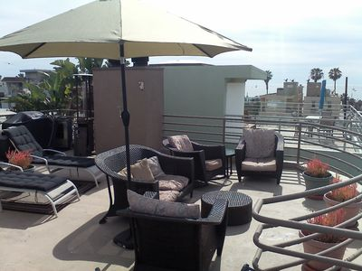 Amazing 500sf Oceandeck - 360 views. BBQ patio furniture,  table seating 4.