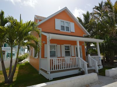 A brand new and charmingly peaceful cottage right in the heart of Hope Town!