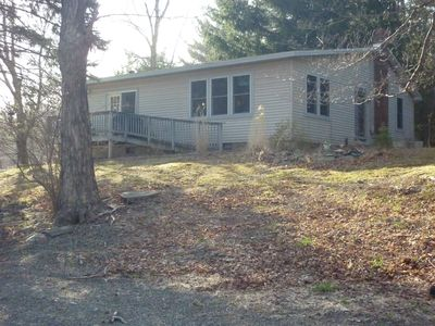 Peaceful rural country home-2 bedroom with pool and fireplace