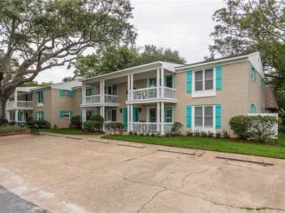 Photo for Close to St. Simons Village and Just Steps to the Beach. Perfect for Small Families!