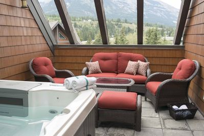 Spacious private rooftop patio. Cushions stored in master closet during winter.