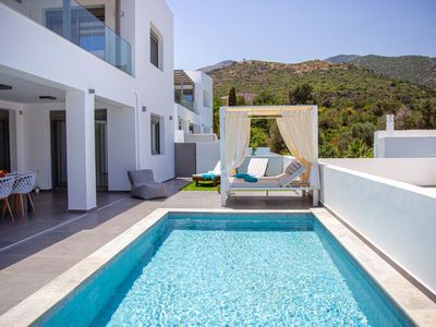 Photo for Beautiful private villa for 6 guests with private pool, WIFI, A/C, TV, balcony and parking