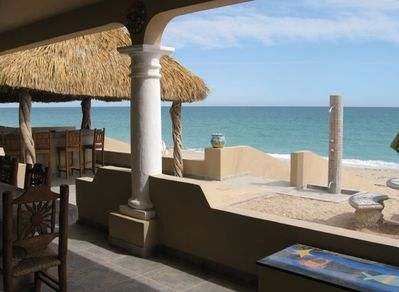 GREAT BEACH PATIO ENTERTAINING AREA, PLENTY OF LOUNGING, DINING & BAR SEATING