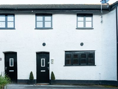 Photo for Cosy Mews in the heart of Crediton