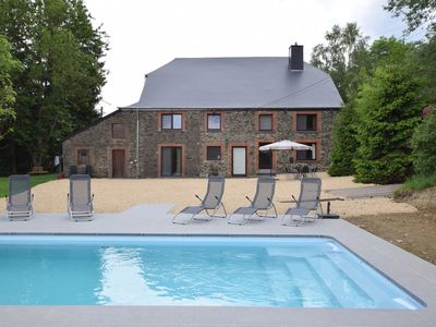 Photo for Cottage with swimming pool, in a quiet area, less than 10km from La Roche