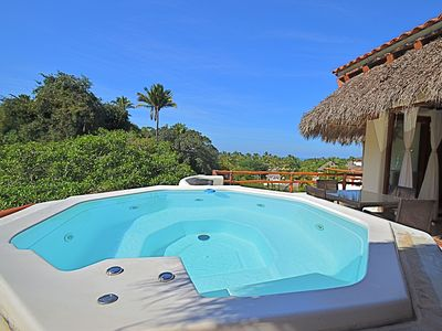 Photo for 4 B / 3 B PENTHOUSE with Private Jacuzzi, Great Location!