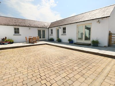 Photo for THE ANNEXE AT THE OLD FARM, family friendly in Lamphey, Ref 944055