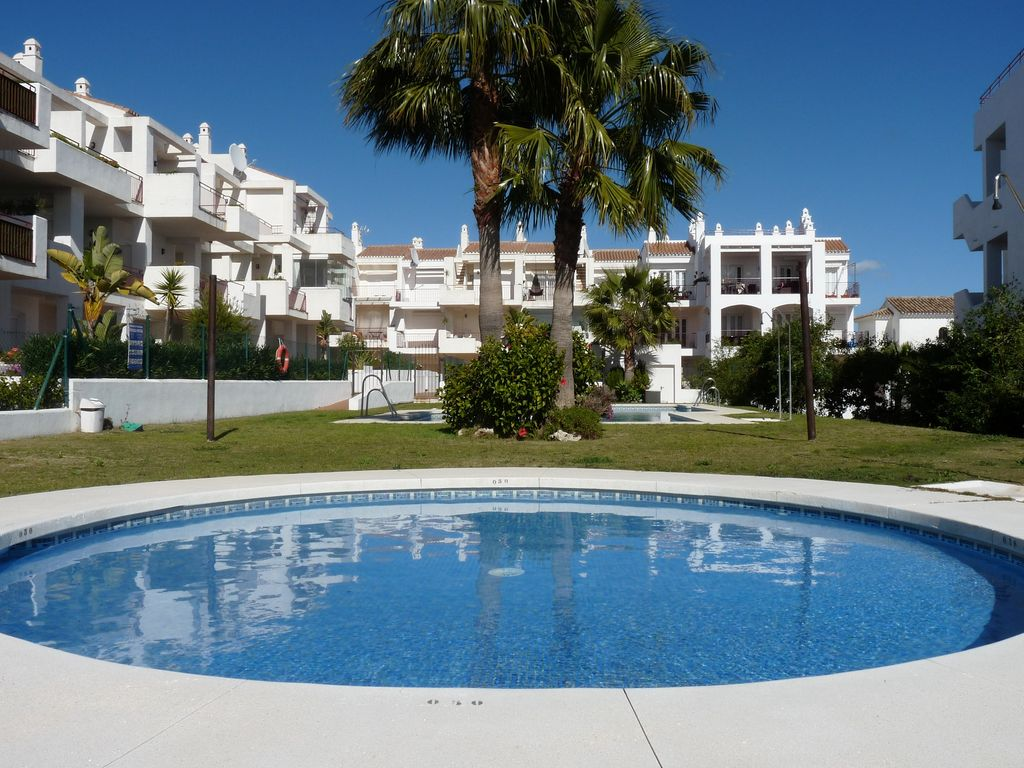 Ground Floor Apartment In La Duquesa Costa Del Sol Spain