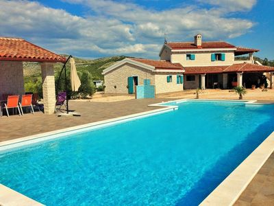 Photo for In the center of Primošten Burnji with Internet, Pool, Air conditioning, Parking (740085)