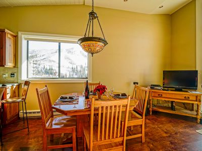 Ski in/Out + Pool +  Great Views! + Private Shuttle + Rent 4nts, 5th FREE