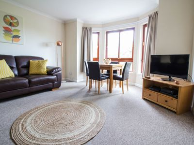 Photo for Lovely 2 bed with castle view and private parking