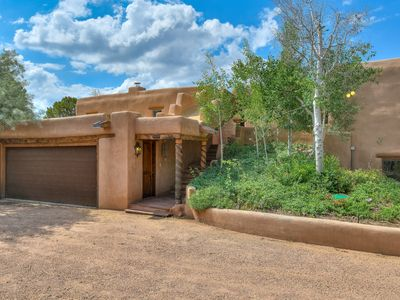 Photo for Mansion Ridge Hideaway - Beautiful Adobe Home near Plaza with 100 mile views