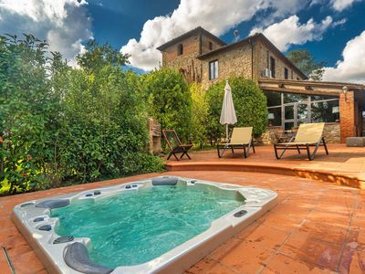 Photo for Beautiful private villa for 17 guests with WIFI, hot tub, TV, terrace, panoramic view and parking