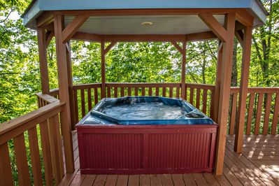 Private hot tub viewing the Smoky Mountains