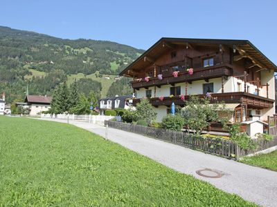 Photo for Cozy quiet apartment in the middle of Zell am Ziller near ski area