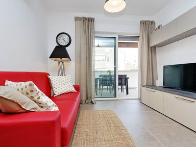 Photo for Domus Diana  apartment in Appio Latino with WiFi, integrated air conditioning, balcony & lift.