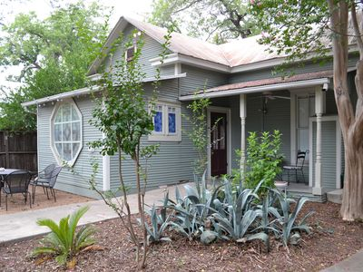 Photo for Vintage House, Cottage & Bunk - Walk to Schlitterbahn /Comal River
