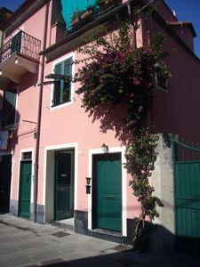 Photo for Independent apartment in old town, few minutes walk from beach and all amenities