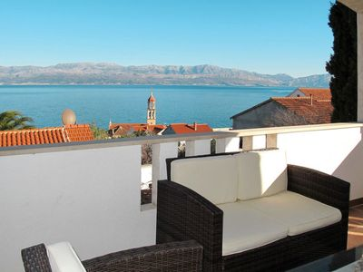 Photo for Apartment Ana (BRC201) in Brac/Splitska - 3 persons, 1 bedrooms