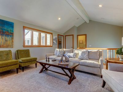 Photo for Townhouse w/ shared seasonal pool, and tennis, walk to ski lifts!