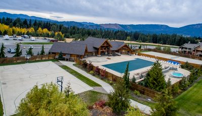 Roslyn Ridge Activity Center Opens Mid May to Mid Sept ($7per person/per day)
