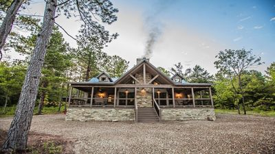 Photo for Choctaw Wind - 3 Bedroom Lodge (Sleeps 10,High-End Design,Shuffle Board,Hot Tub)