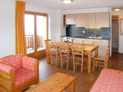 Photo for Nice apartment for 8 guests with WIFI, TV, balcony, pets allowed and parking