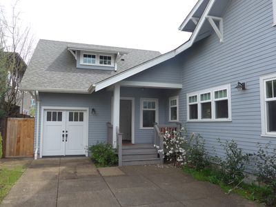 Photo for Quiet neighborhood on edge of U of O campus! Very homey, enclosed yard,