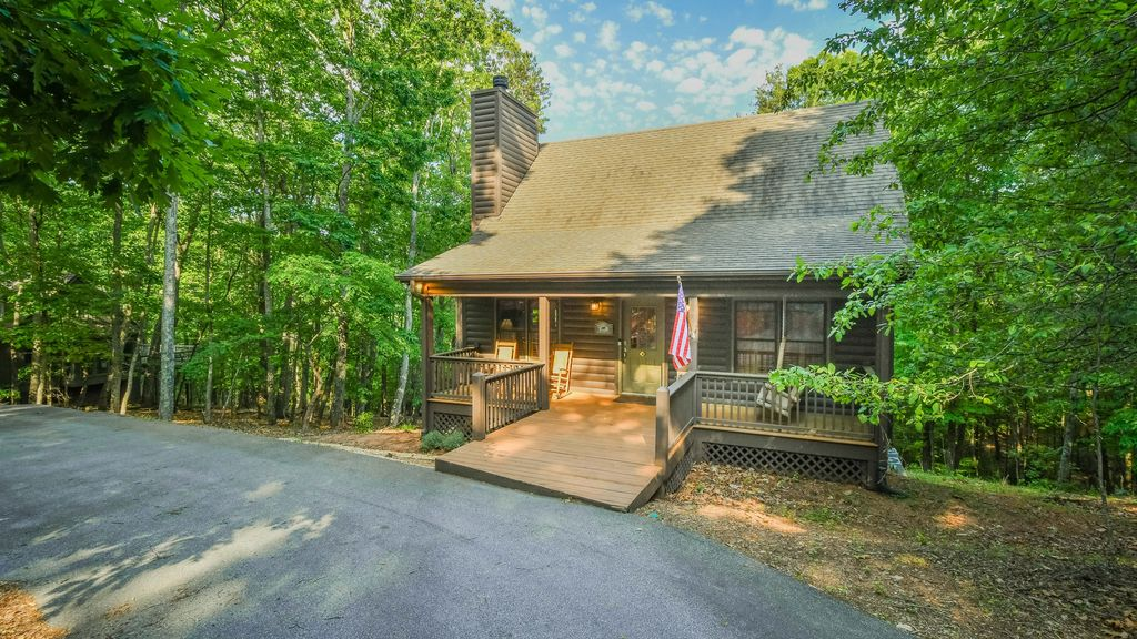 New rental cabin perfect for families couples and kids for North georgia mountain cabins for rent