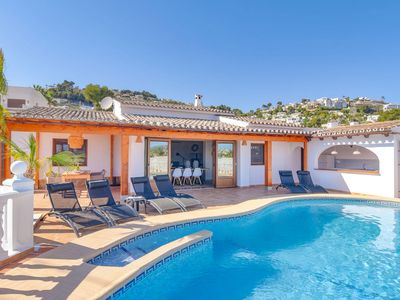 Photo for Lavish Villa with Private Pool near Sea in Moraira