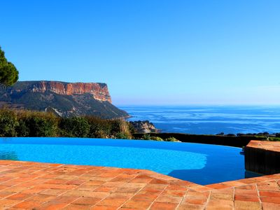 Photo for Superb villa of 400 m2 with exceptional 180 ° view