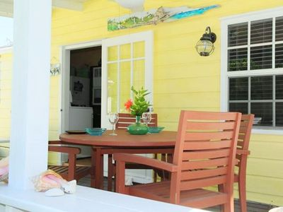 Charming, Conveniently Located In The Heart Of Hope Town