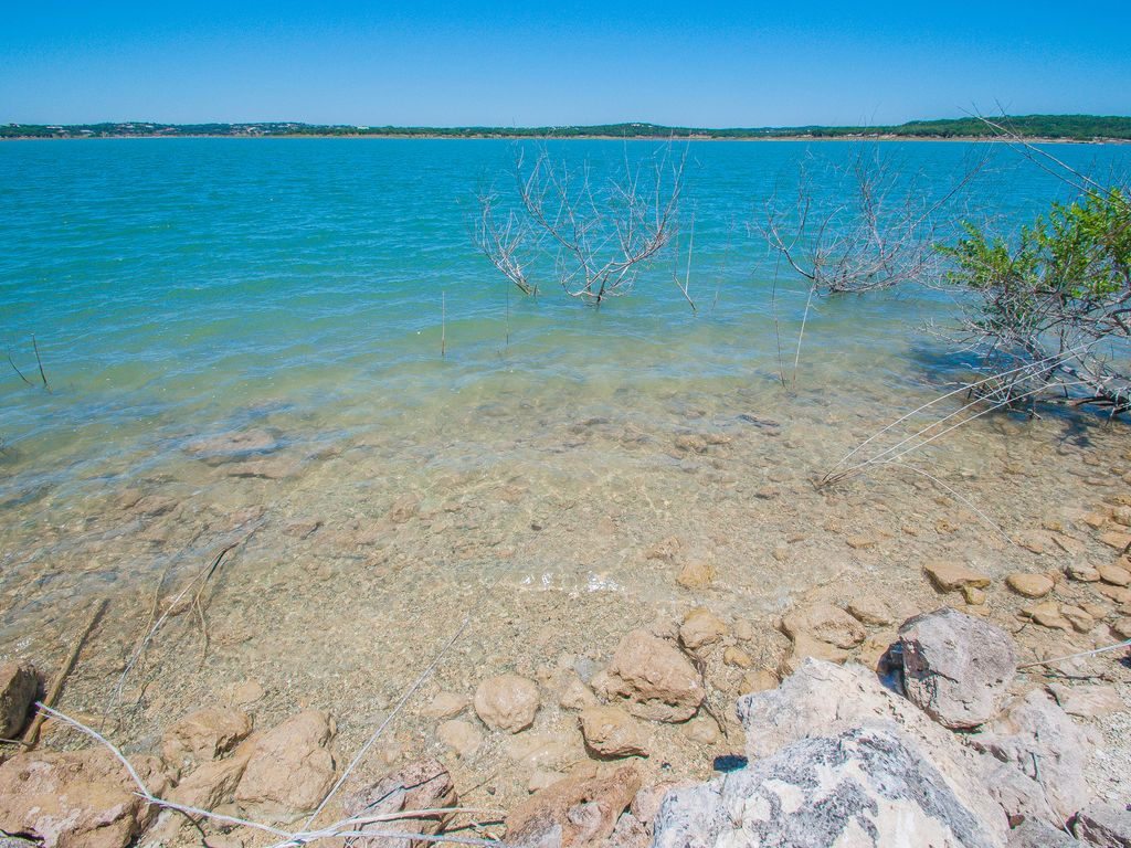 canyon lake Canyon lake texas is a hidden treasure of the central texas hill country some activities include: boating/sailing, water skiing, kayaking, fishing, scuba diving, parasailing, hiking, dining, shopping, and more.