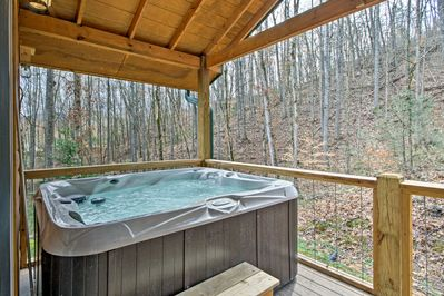 This studio sleeps 2 and features a private hot tub.