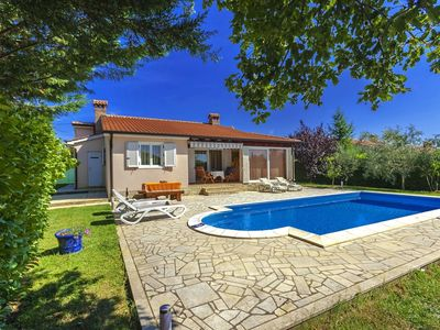 Photo for Villa with private swimming pool, 8km from the beaches of Porec