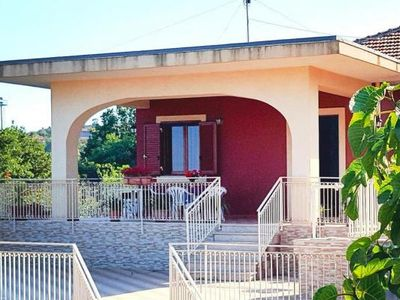 Photo for holiday home, Zafferana Etnea  in Um Taormina - 4 persons, 3 bedrooms