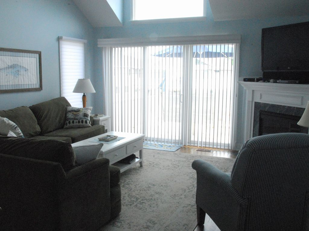 Avalon Townhouse With The Comforts Of Home VRBO - Comforts of home furniture