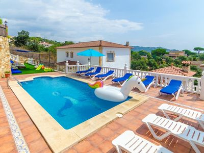 Photo for Club Villamar - Beautiful five-bedroom holiday villa with private pool and view of the sea. The i...