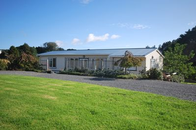 Kohinui Holiday Cottage (4 Bedrooms)