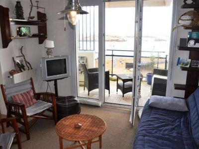 Photo for Really cosy flat with a magnificent sea-sight (64 m2, 4-5 people), located on the main beachResidential flat(Help)