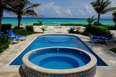 Casa Tortuga's Private Swimming Pool and Jacuzzi