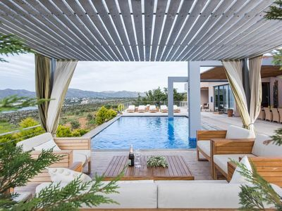 Photo for Superb five bedroom villa with large pool, pan...